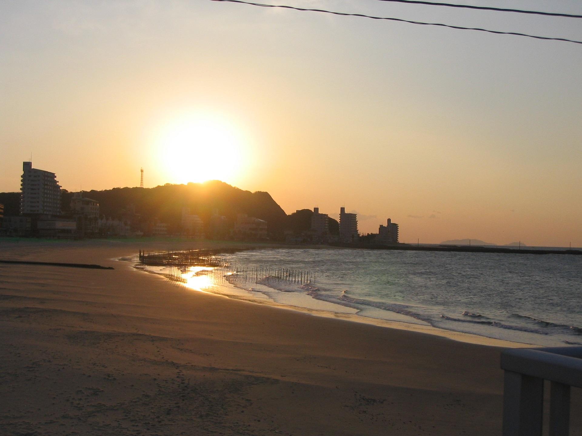 初日の出 内海・海水浴場