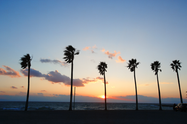 海岸に沈む夕日