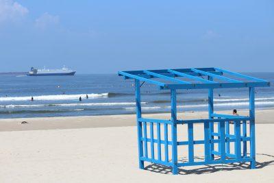 クリーンな海水浴場 in 内海Beach